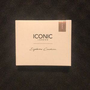 Iconic London Eyebrow Cushion in medium